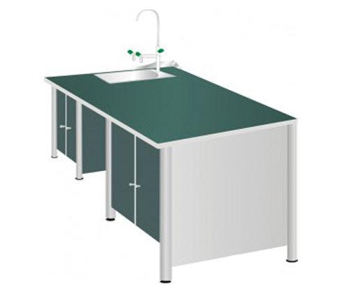 Bàn thí nghiệm cho học sinh một chậu rửa chắc chắn, bền bỉ.