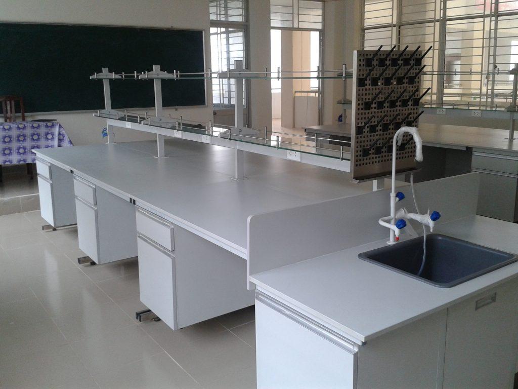 Bàn thí nghiệm trung tâm BTNTT15 tiêu chuẩn chất lượng cao, bảo hành.
