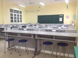 Bàn vật lý thực hành dùng cho trường học bền bỉ, tiết kiệm.