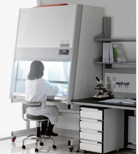 Báo giá tủ cấy vi sinh Tân Thịnh rất cạnh tranh, ưu đãi lớn.