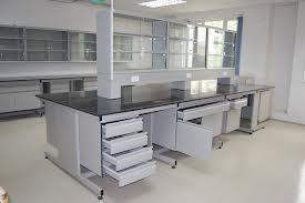 Chọn bàn thí nghiệm có chậu rửa hóa chất mạnh, vừa vệ sinh lại vừa an toàn cho người sử dụng