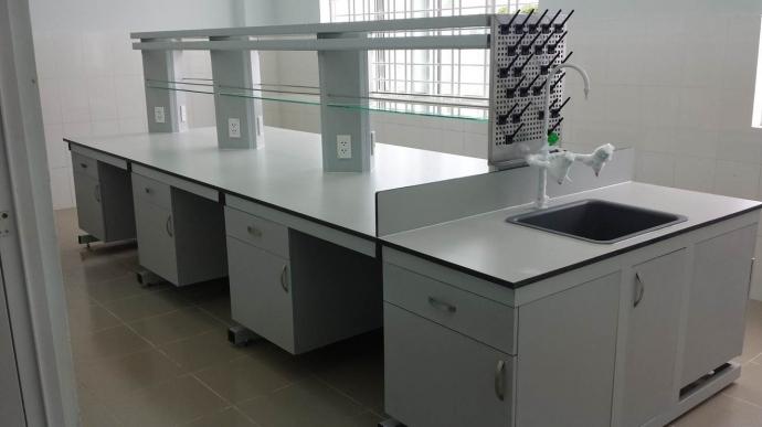 Cung cấp bàn thí nghiệm tại Hà Nam chất lượng cao, bảo hành.